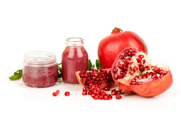 https://www.freepik.com/premium-photo/pomegranate-fruits-extracted-isolated-white-background_12717377.htm#page=1&query=Pomegranate%20Extract&position=5