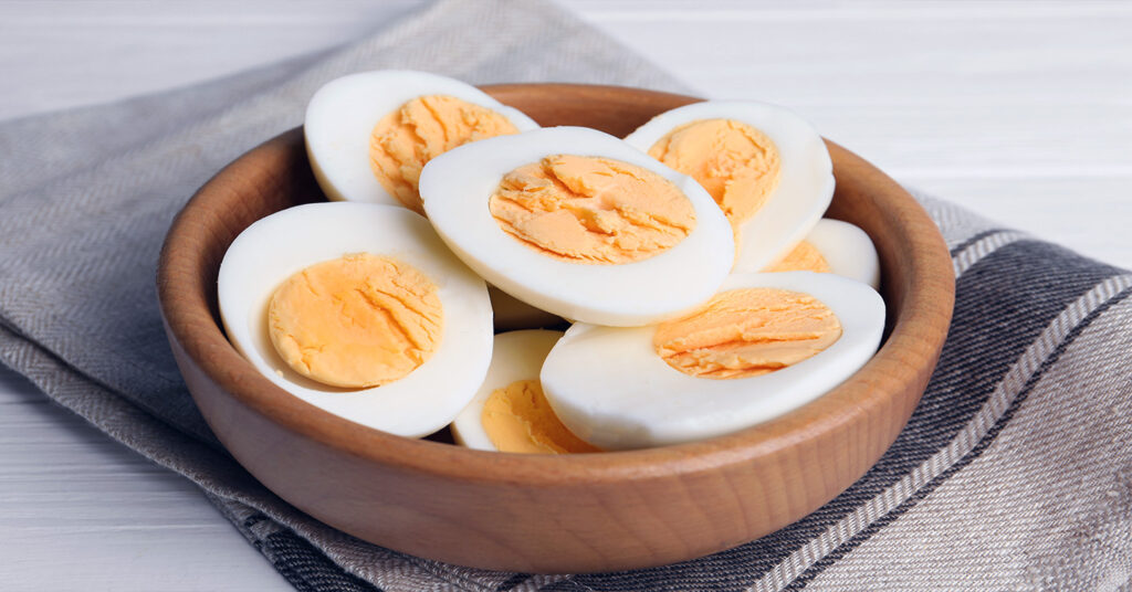 Can Cats Eat Eggs? Yes, This Superfood is for Cats Too! | Pumpkin®
